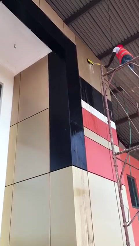 Our experts make your alucobond new.