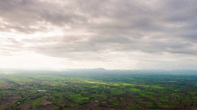 Overlooking the Mhaismal Hill Station, the clouds moved quickly over the farmlands, leaving a beautiful sunset to finish...