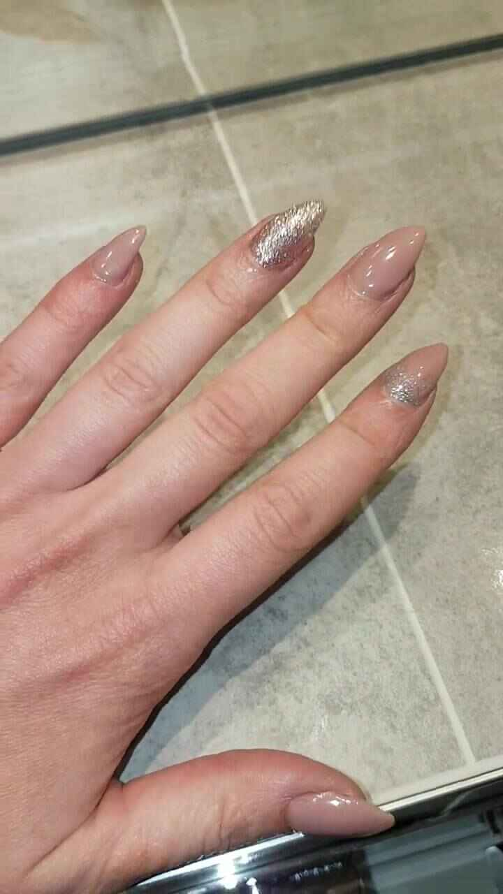 Love this nude/pink sparkle combination ❤💅