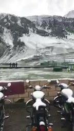 Today Fresh snow ❄️ fall at sonamarg Kashmir valley woooooooo